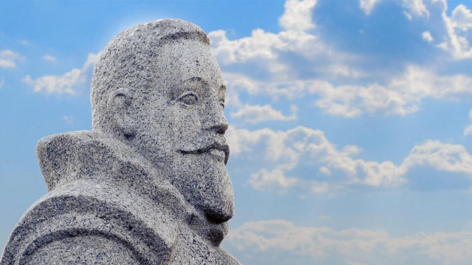 pomnik kochanowskiego
